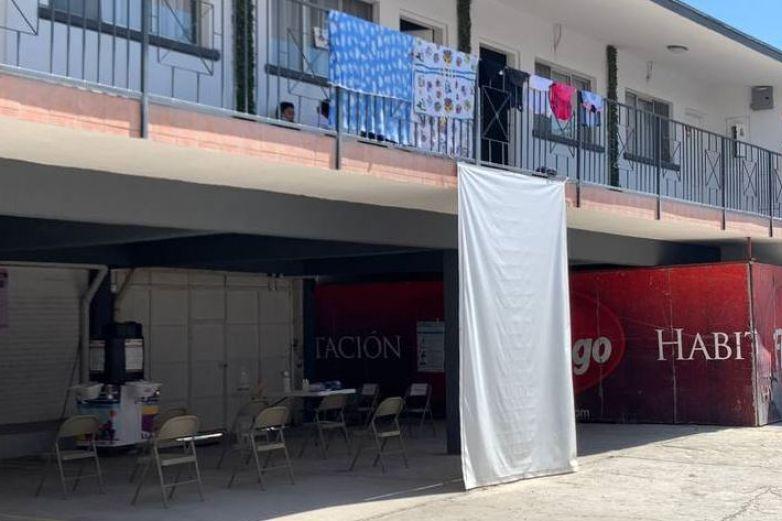 Disminuyen casos de migrantes con Covid en hotel filtro