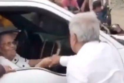 Volvería a saludar a la mamá de 'El Chapo': AMLO responde a Calderón