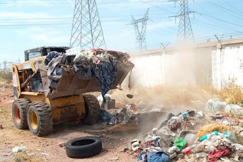 Retira Municipio más de mil toneladas de basura y 'tiliches' de predios