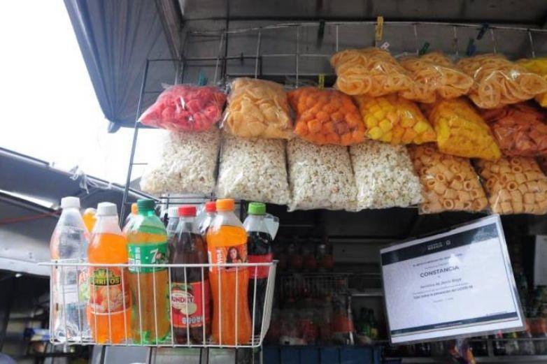 Morena va por prohibición de comida chatarra en escuelas