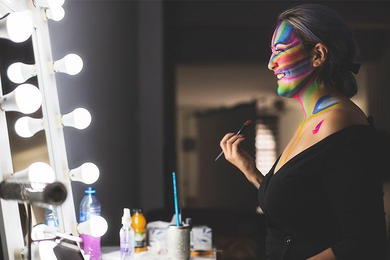 Maquillista juarense demuestra que el arte también se plasma en la piel