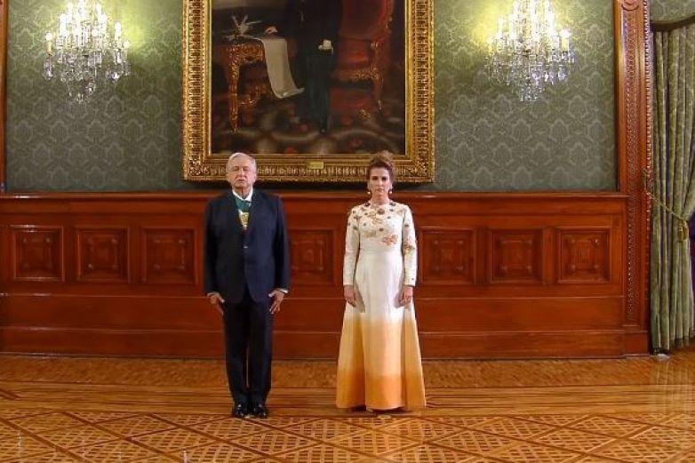 ¡Viva México! Celebra AMLO 'Grito' de Independencia sin público