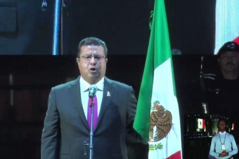 ¡Viva México, viva Juárez¡ Festeja Cabada Grito de Independencia
