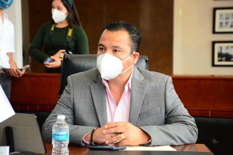 'Ilegal el congelamiento de cuentas al Municipio de Delicias', arremete diputado