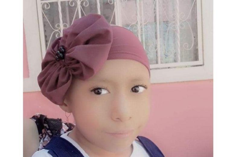 Andrea solicita apoyo de la comunidad para costear tratamiento contra el cáncer