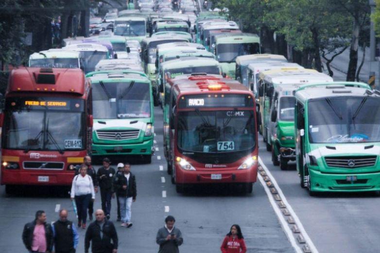 Transportistas de CDMX alistan megamarcha mañana