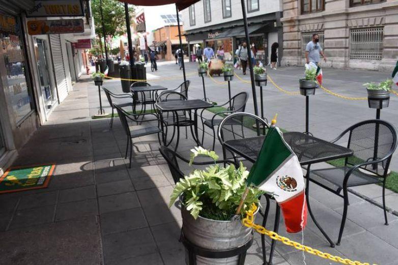 Restaurantes con espacios al aire libre podrán abrir al 50%