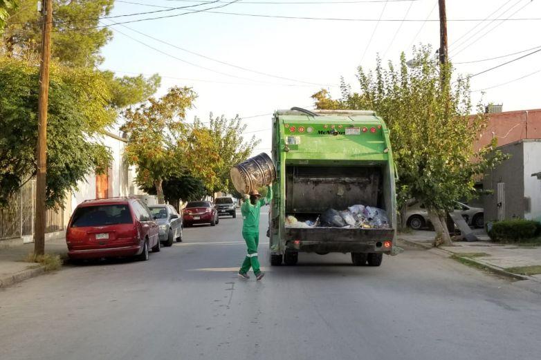 Supervisan que camiones de basura sí pasen