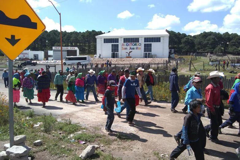 Rarámuris que marchaban ya reciben apoyos de Federación, señalan
