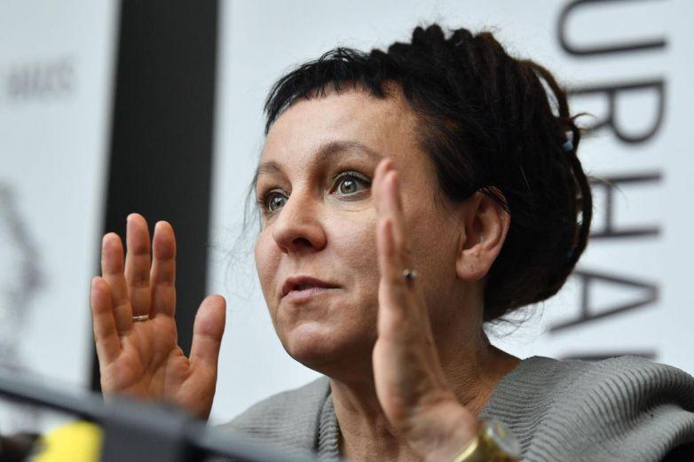 Nobel polaca rechaza premio local por 'grieta' LGBT