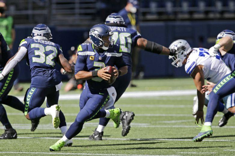 Wilson lanza 5 pases de TD y Seahawks vencen a Cowboys