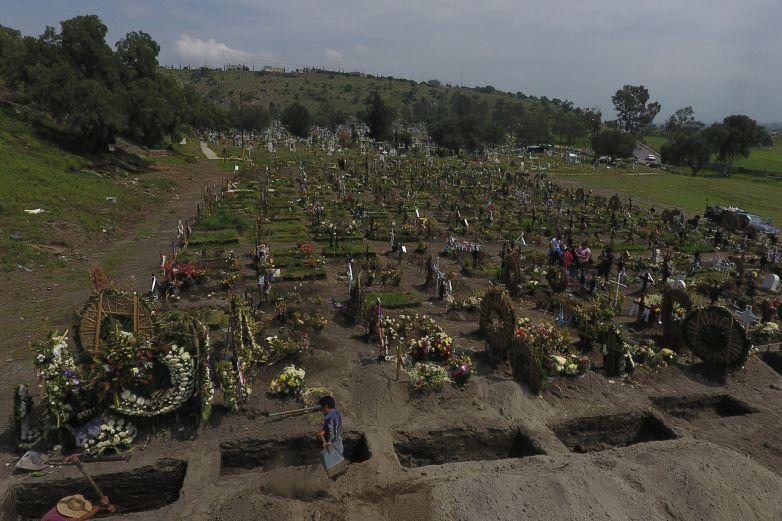 Saldo real de muertos por Covid se sabrá en 2 años: Gatell