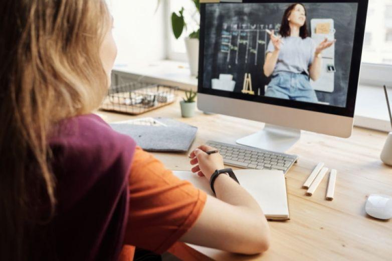 Cómo cuidar de la ciberseguridad de los alumnos durante las clases en línea