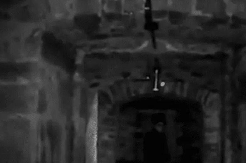 Captan a supuesto fantasma en cárcel; el video viral es aterrador