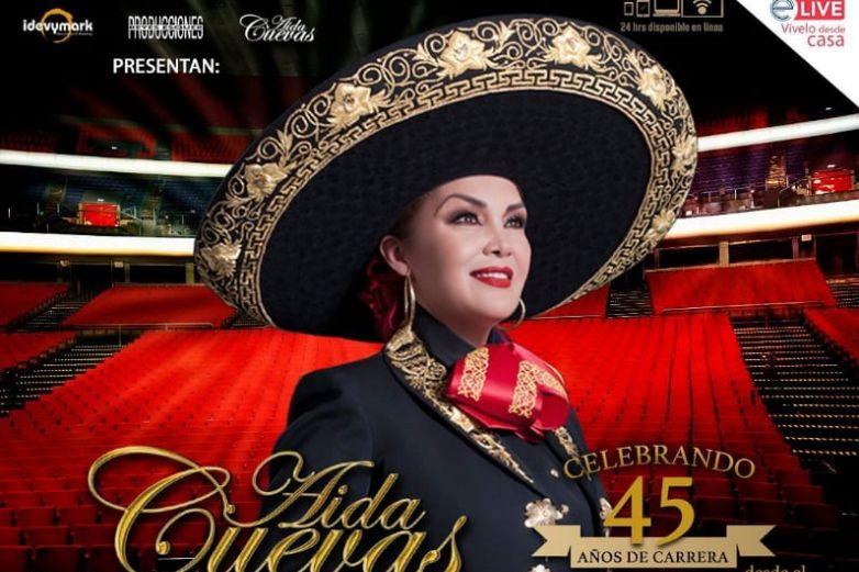 Aida Cuevas festeja más de cuatro décadas de trayectoria