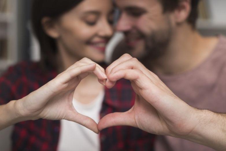 Estar enamorado aumenta la defensas; podría ayudar a resistir el Covid-19