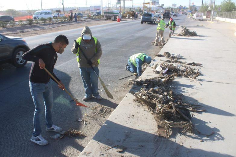 Usan calles como 'mega tiradero'; recogen más de 100 toneladas de basura