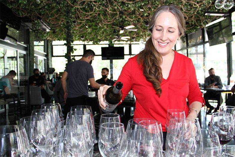 Hace del vino una  experiencia  multisensorial
