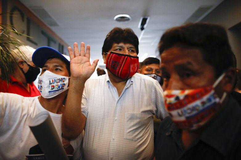 Evo Morales deja Argentina, se dirige a Venezuela