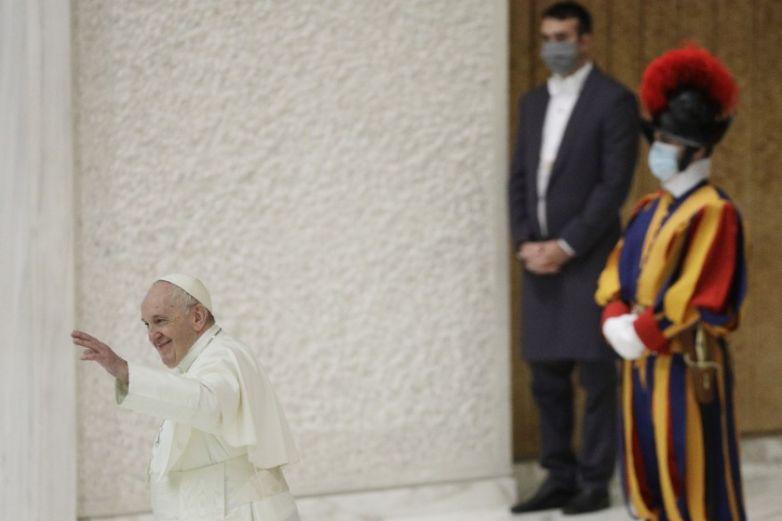 China y el Vaticano amplían acuerdo pese a oposición de EU