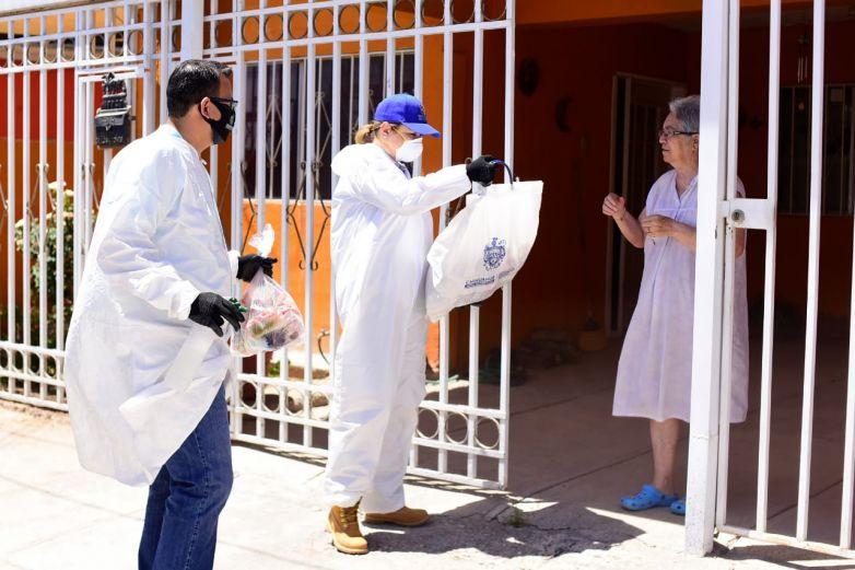 Entrega Maru Campos apoyos alimentarios a 7 mil adultos mayores