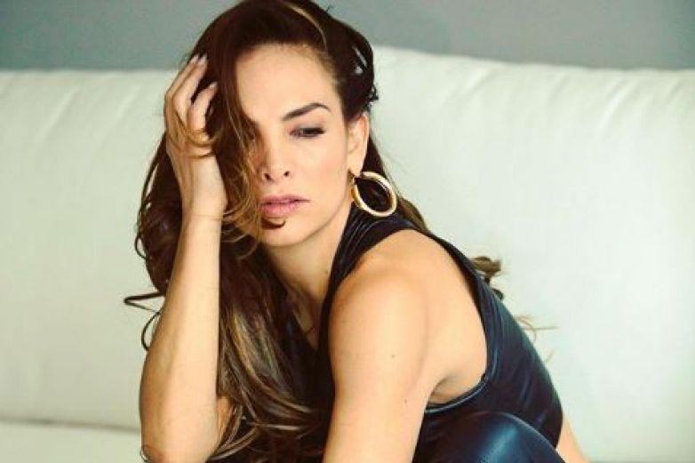 Fabiola Campomanes deja poco a la imaginación