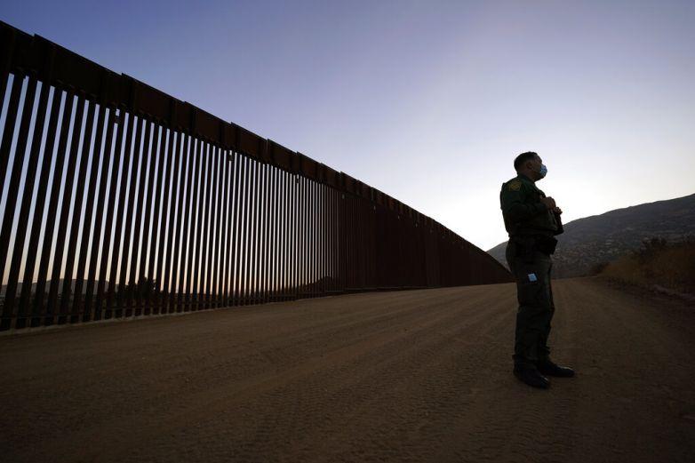 Trump ordenó comprar 21 kilómetros de tierra privada para muro fronterizo