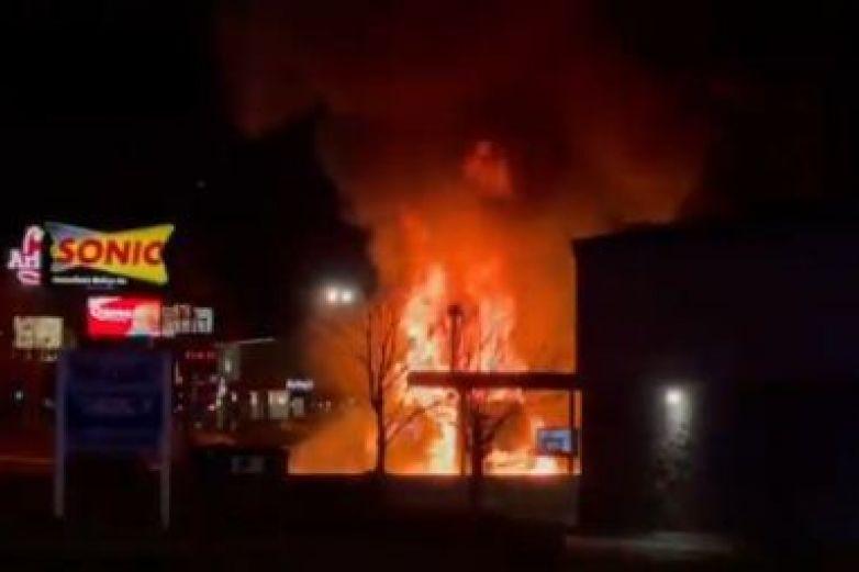 Tiroteo en restaurante de Nebraska deja dos muertos