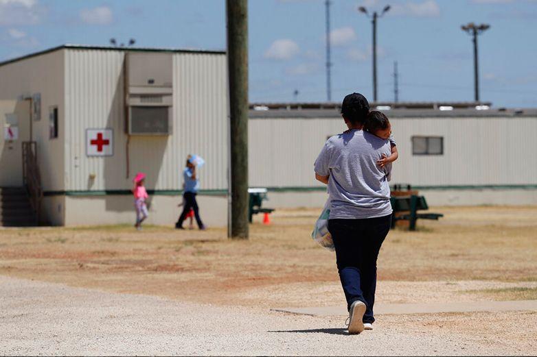 Siguen buscando a los padres de 628 menores separados