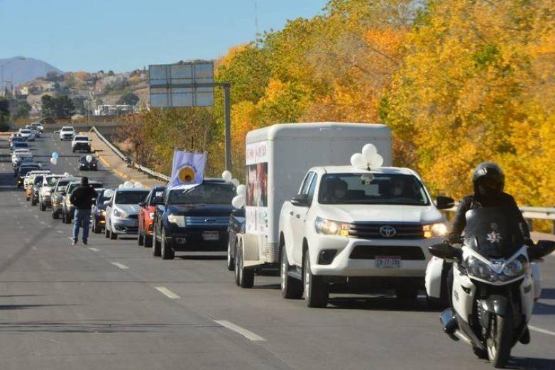 No están prohibidas las caravanas de autos: Estado
