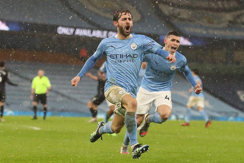 Manchester City persevera para domar al Aston Villa