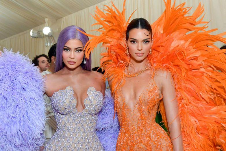 Las Jenner vacacionan en México y el bikini de Kendall explota las redes