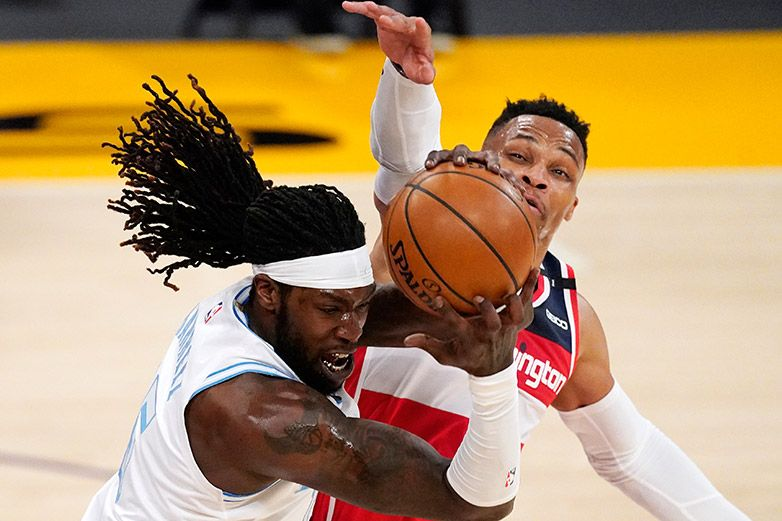 Wizards hilan 5to triunfo al superar a Lakers en la prórroga