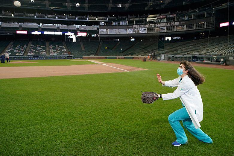 Día inaugural de MLB tiene a Tatis, Soto, Lindor y fans