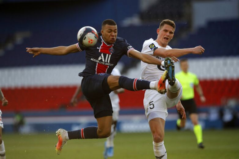 Lille vence a PSG, queda único puntero en liga francesa