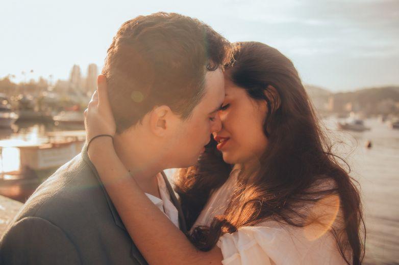 Video: Por décimo año, el mundo celebra el 'Día del beso'