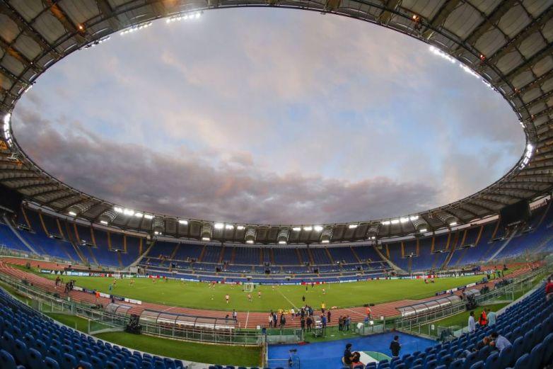 Italia tendrá publico en los estadios después de 1 año