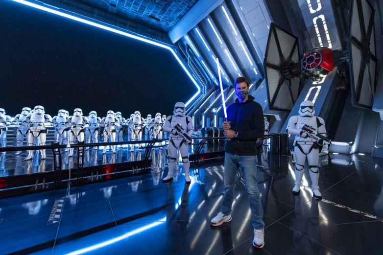 Brady regresa a Disney World luego del Super Bowl
