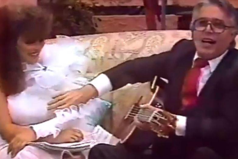 Video: Enrique Guzmán se aprovecha de Verónica Castro