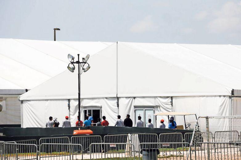 Inicia Texas investigación tras abusos a niños migrantes