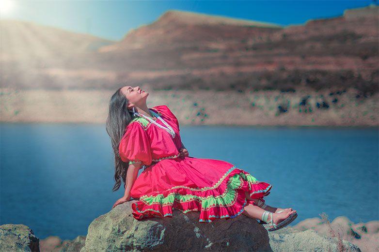 'Estoy orgullosa de ser indígena': Anaí Zúñiga, la modelo rarámuri