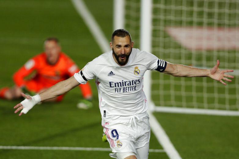 Toma Real Madrid el liderato tras vencer al Barcelona