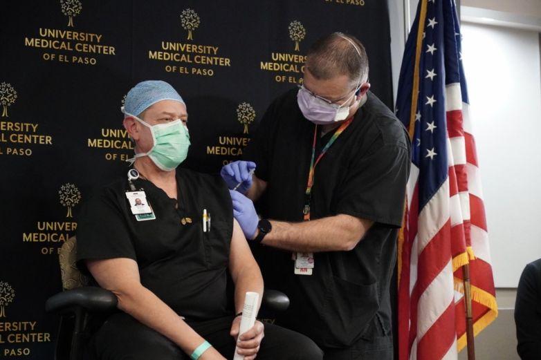 Suspende El Paso administración de vacuna J&J