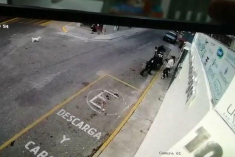 Video: oficiales disparan a civiles en Oaxaca