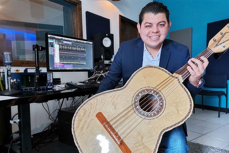 José Barraza, el mariachi que conquistó a Netflix