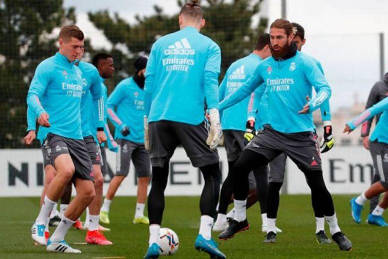 Ramos y Mendy listos para reaparecer con el Real Madrid
