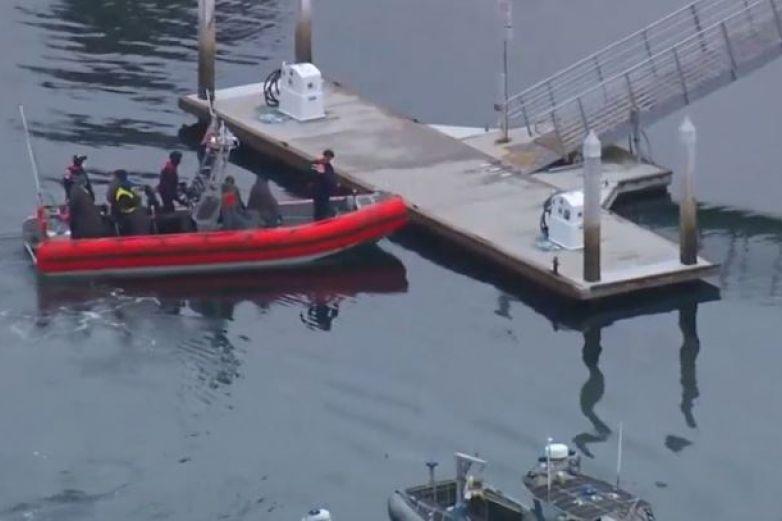 Video: Rescatan 23 migrantes de bote en costa de California