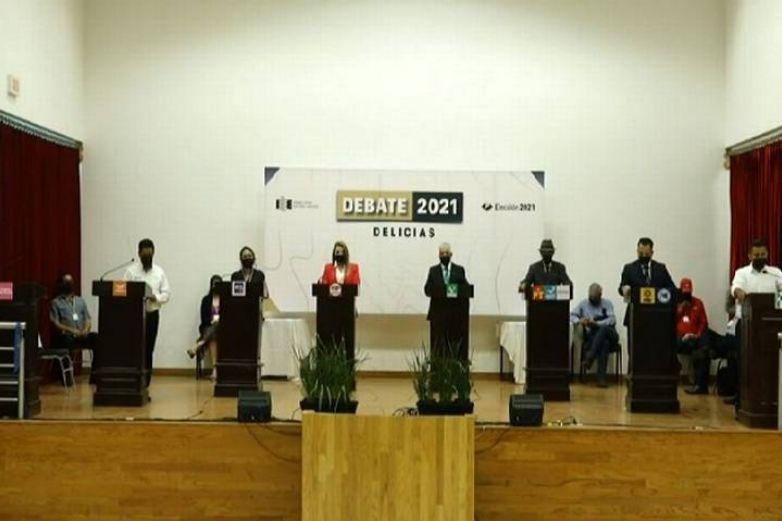 Presentan propuestas candidatos de Delicias en debate