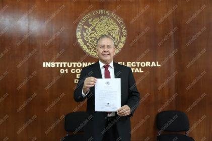 Recibe Daniel Murguía constancia de mayoría de votos