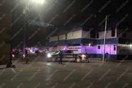 Blindan estaciones de policía tras ataques y enfrentamientos